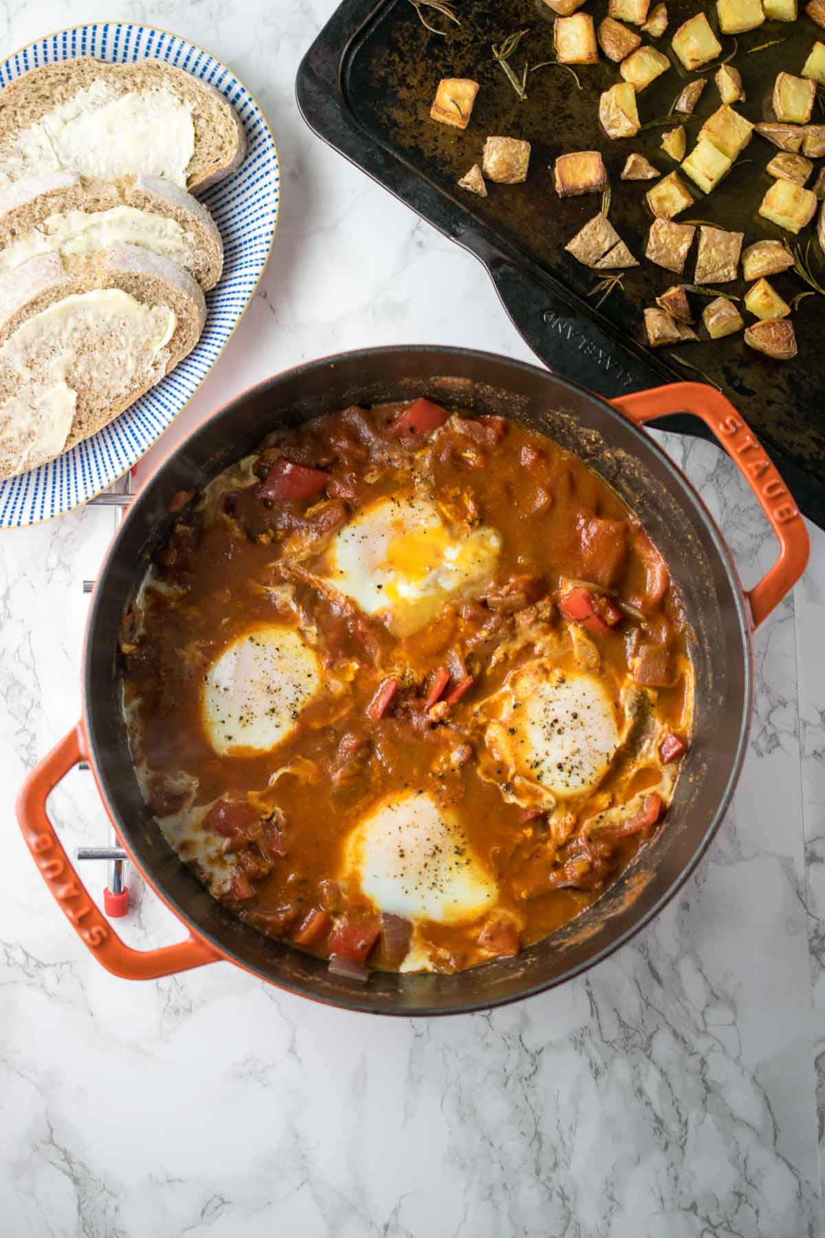 Spiced baked eggs