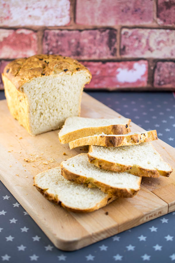 Beautifully moist and fluffy rosemary and onion bread, soft enough to make the most perfect sandwiches