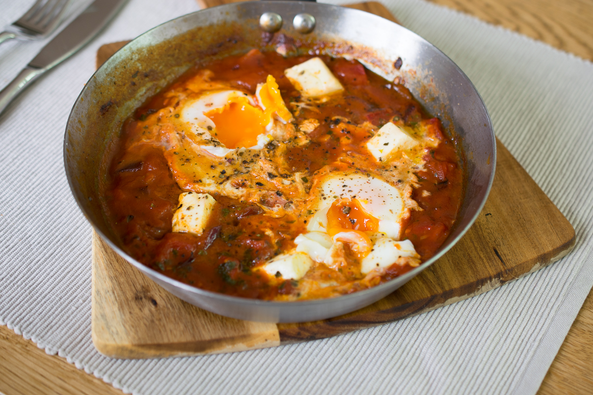 One pot feta, peppers and eggs