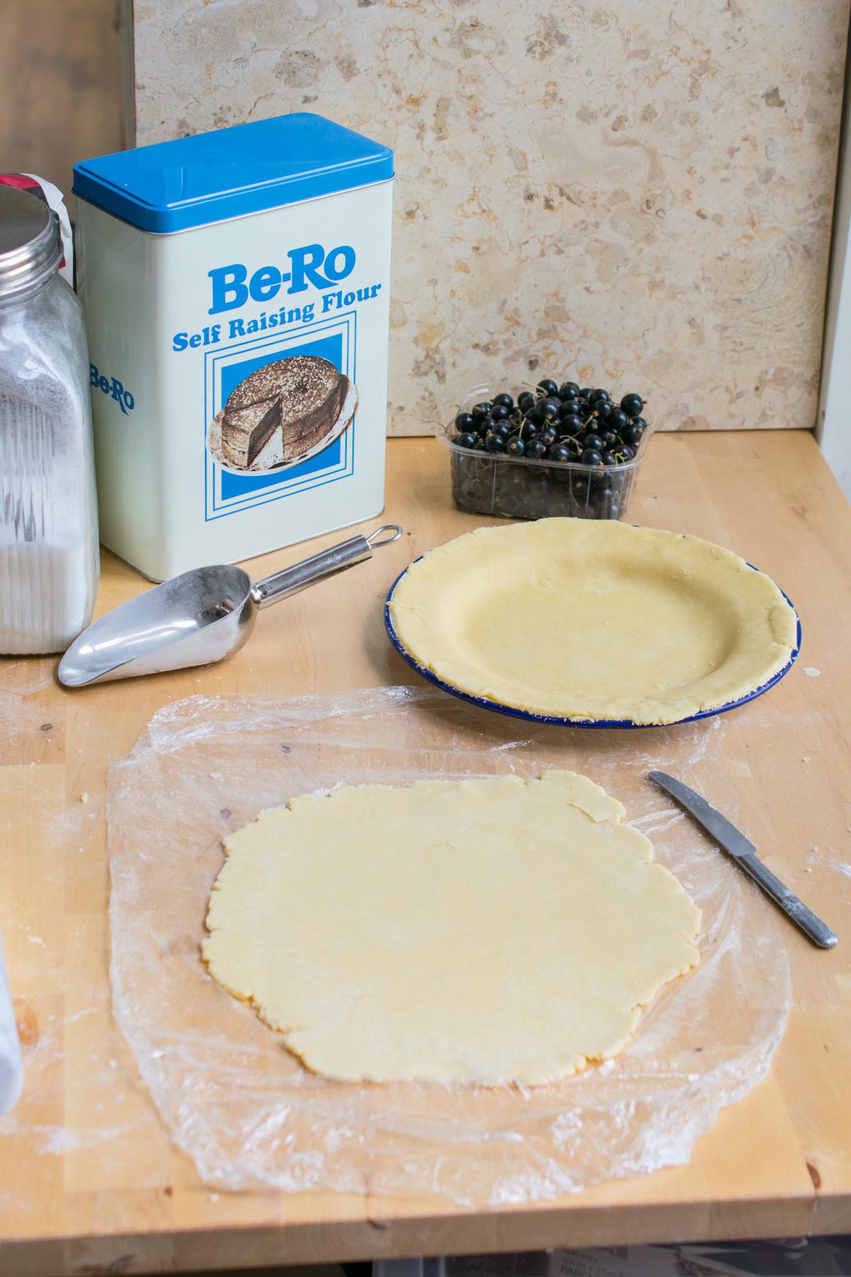 recipe: bero currant slice [36]