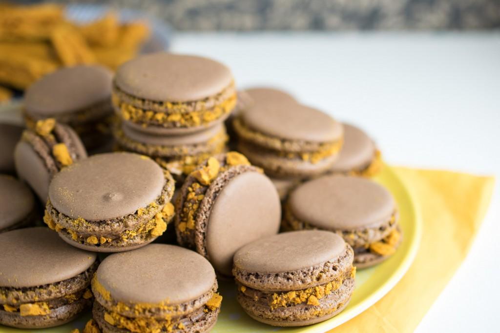 Crunchie Macarons - Macarunchies!