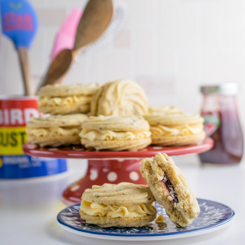 raspberry-and-custard-viennese-whirls-7