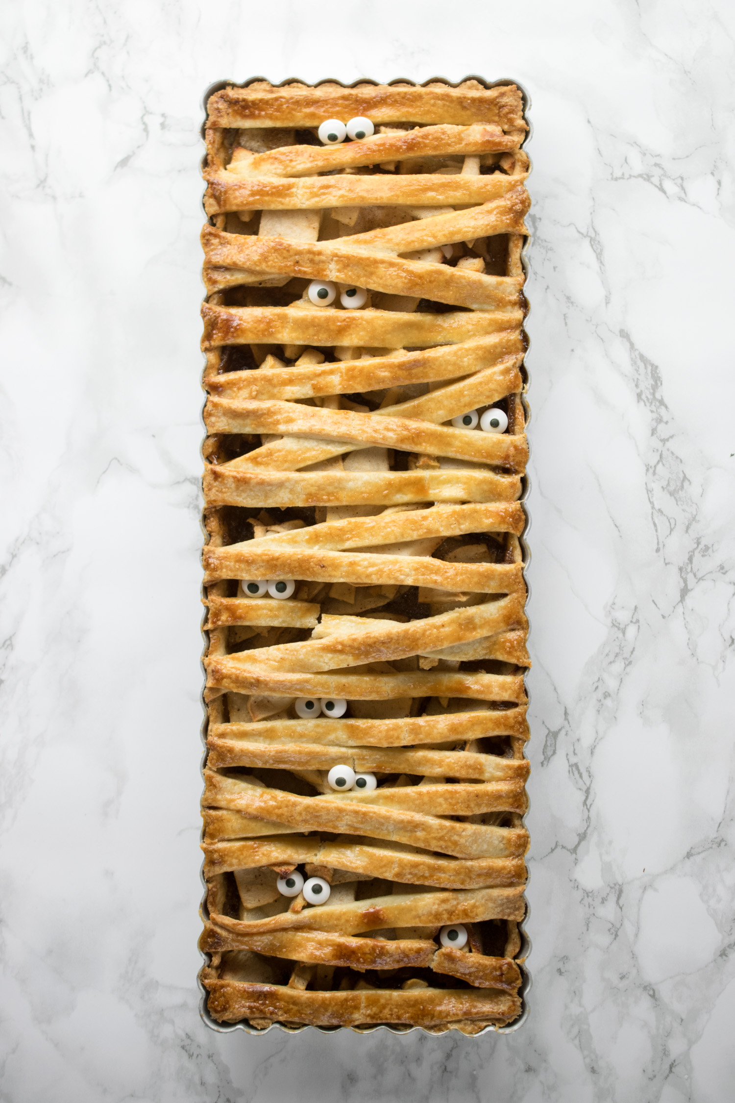A family recipe for apple pie gets a makeover for Halloween!