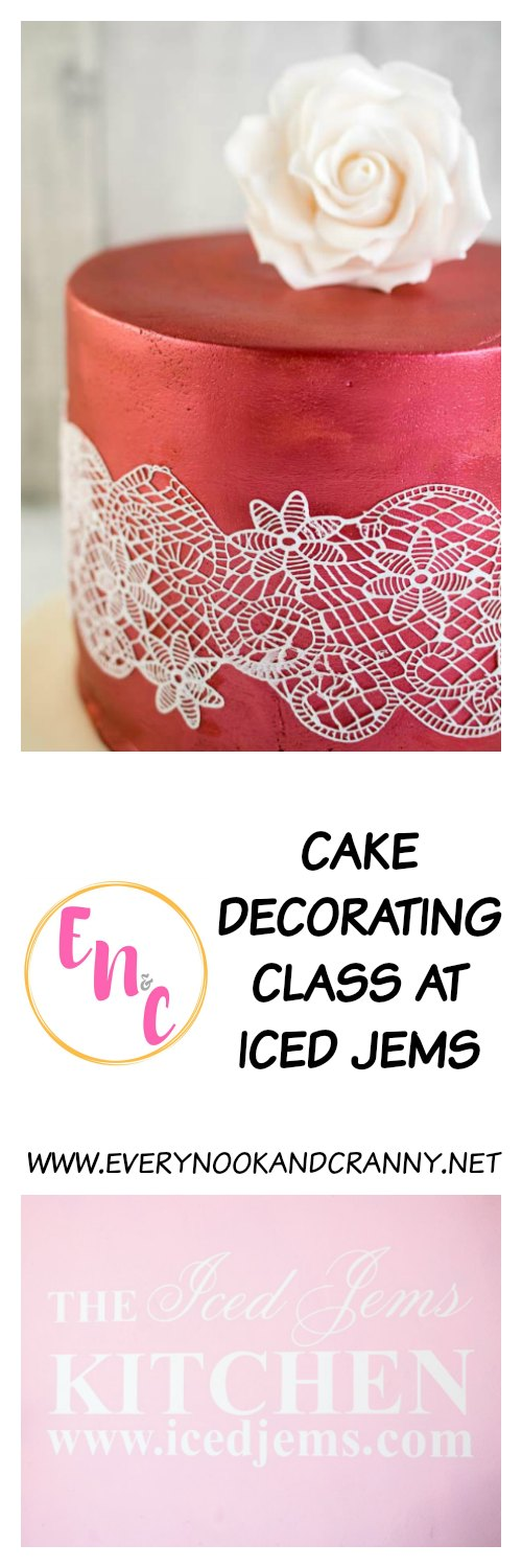 Review of a cake decorating class at Iced Jems