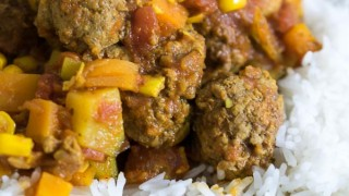 Instant Pot Beef Meatball Curry (Syn Free)